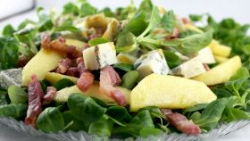 Insalata di crescione e bacon