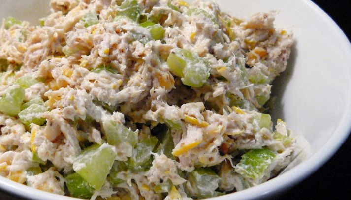 Insalata di pollo in yogurt