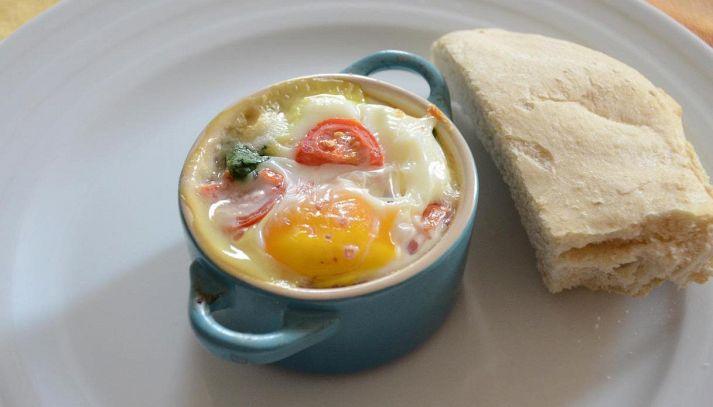 Uova e fagioli in cocotte