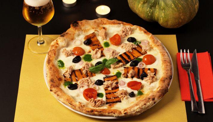 Pizza Halloween con tonno Mare Aperto al naturale