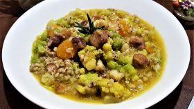 Zuppa di sorgo con broccolo romano e castagne