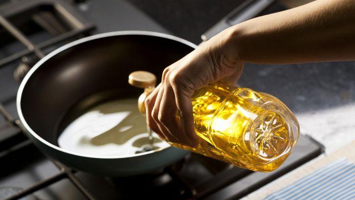 Olio di cottura: ecco come si smaltisce in modo semplice e sicuro
