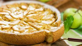 Torta di mele invisibile, senza burro e ricca di gusto