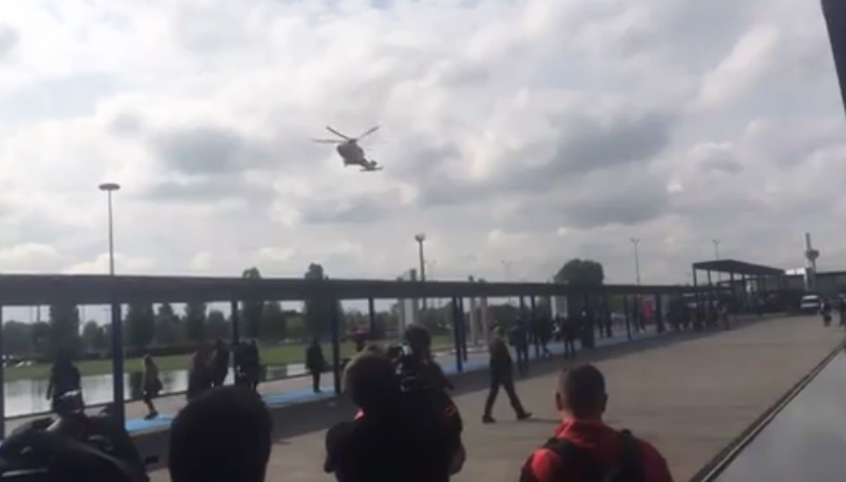 Elicottero Ch : Berlusconi al salone del mobile l arrivo in elicottero virgilio
