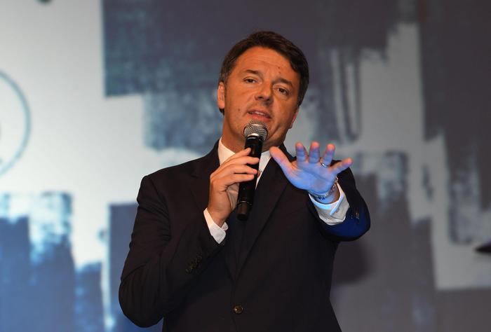 Renzi lancia la Leopolda di 'lotta'. E spinge intesa Ap-Cp