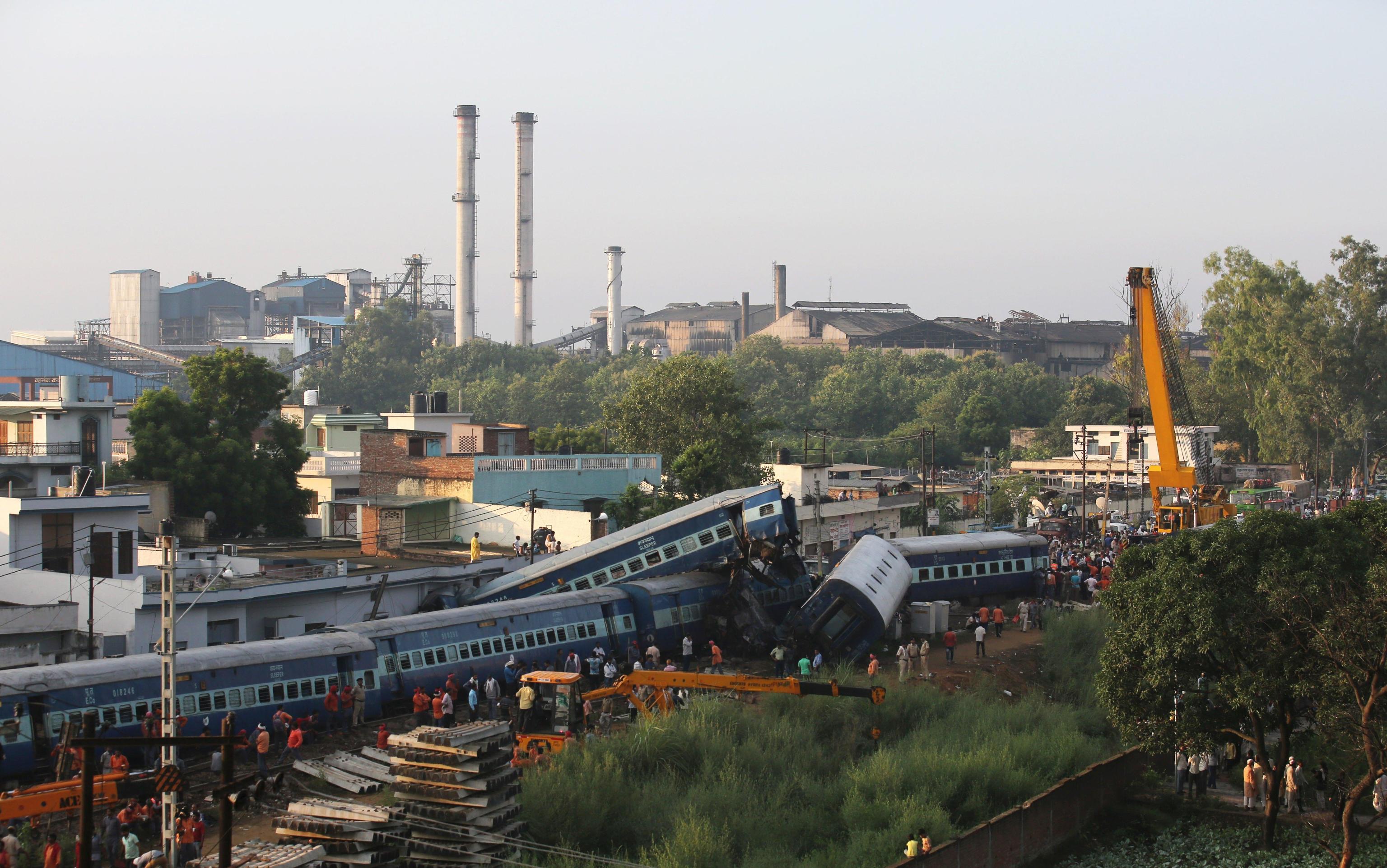 India: deraglia treno, almeno 3 morti