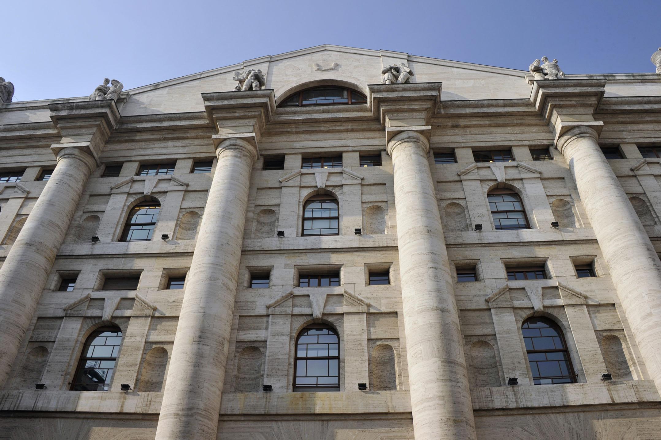 Borsa: Milano sale, bene Mps e Mediaset