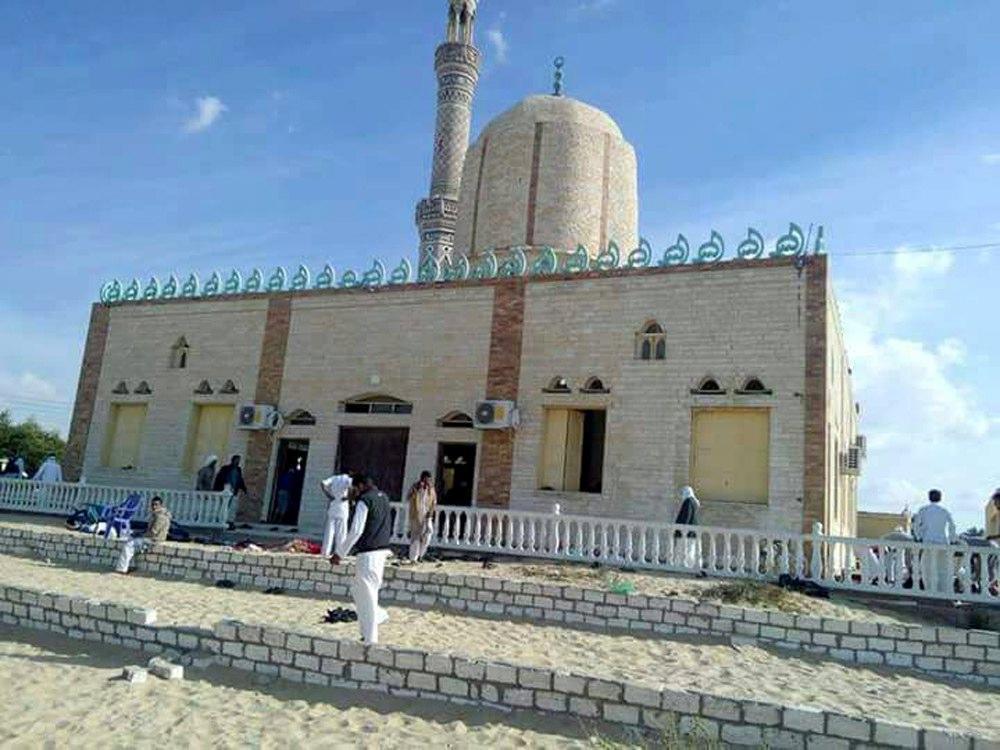 Attentato moschea Sinai, oltre 85 morti
