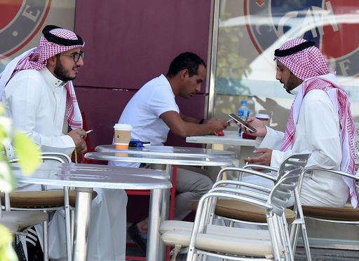 Principe saudita muore in schianto elicottero. Per i media è stato abbattuto