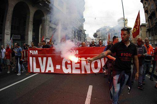 Ilva, occupato lo stabilimento di Genova: sindacati divisi