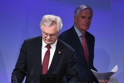 """""""L'Ue si prepari a un non accordo sulla brexit"""" (Barnier)"""