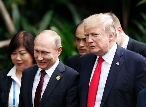"""Perché Trump potrebbe essere """"intimidito"""" da Putin"""