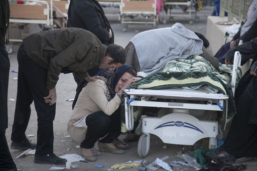 La terra trema al confine Iraq-Iran, oltre 300 morti e migliaia i feriti