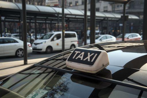 E' iniziato lo sciopero dei taxi (durerà fino alle 22)
