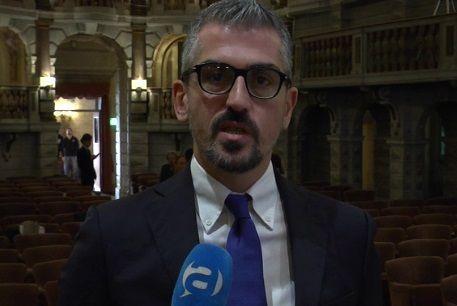 Favori sessuali in cambio di fondi, indagato il sindaco di Mantova (Pd)