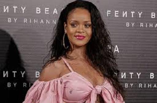 Arrestato lo zio di Rihanna (vendeva capi contraffatti della nipote)