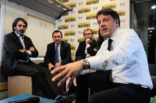 Leopolda,Renzi: basta litigi.Pari dignità alleati,pronti a lotta