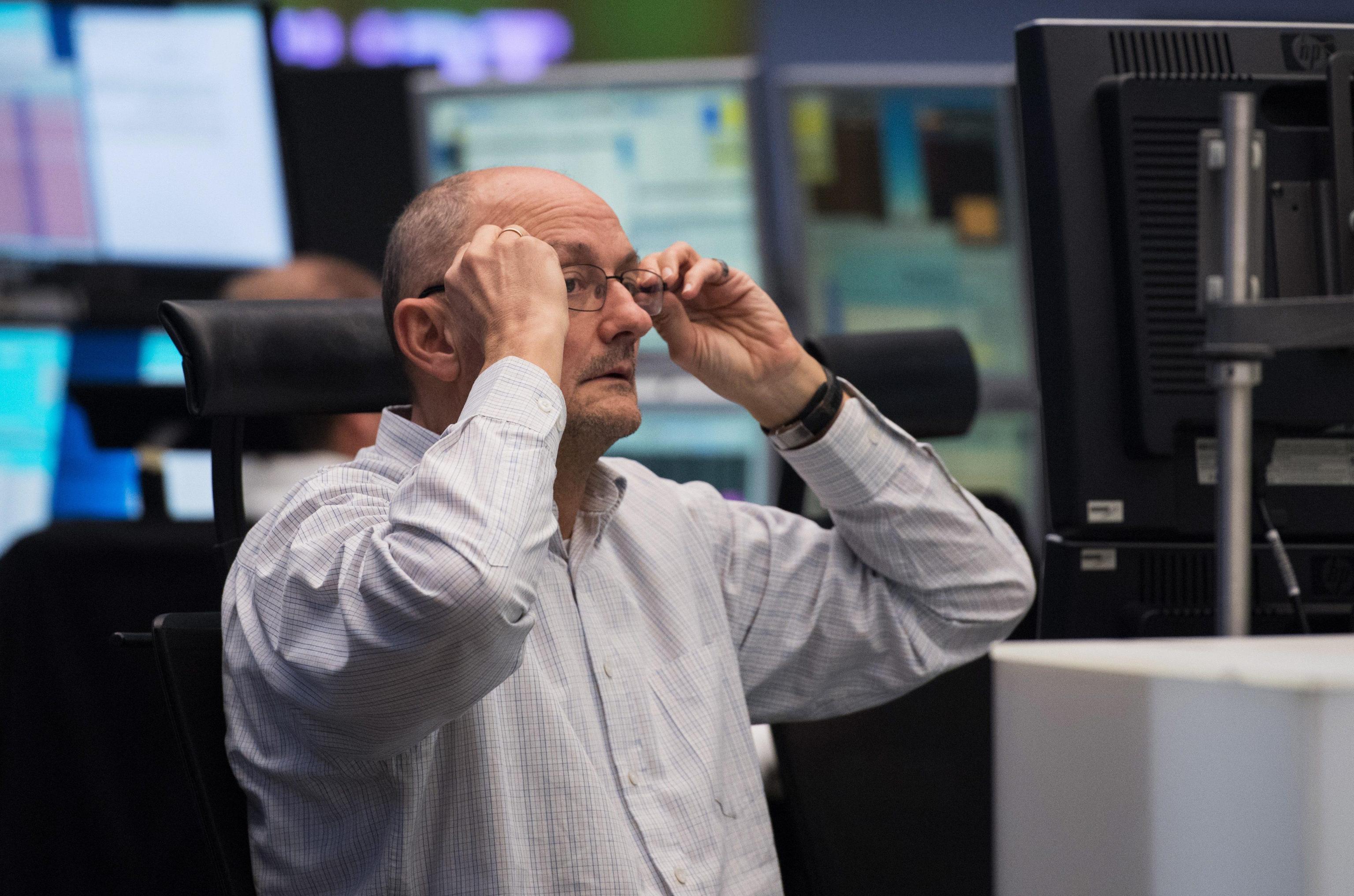 Borsa: Europa apre in debole rialzo