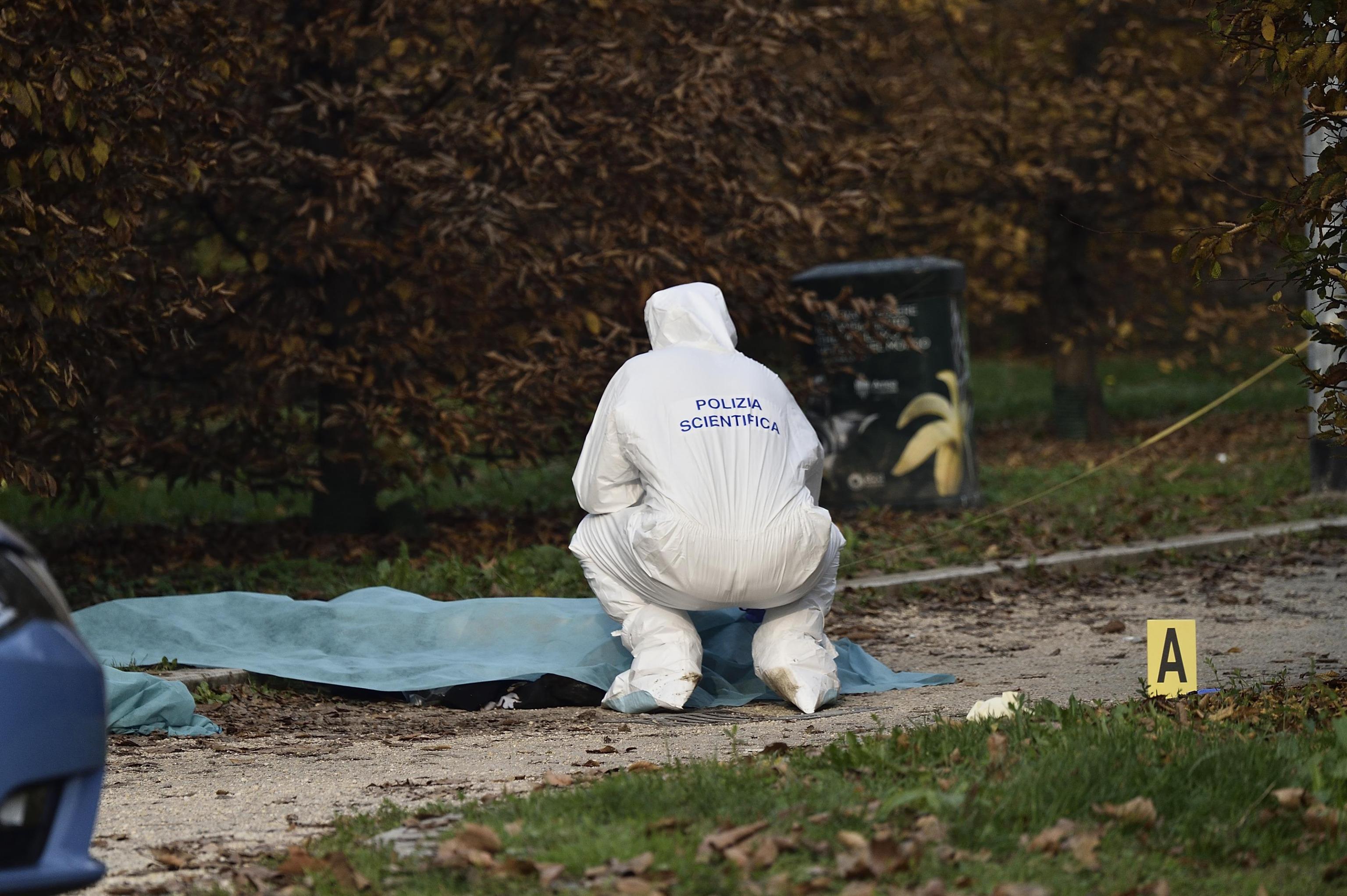 Trovata morta al parco, è stata uccisa