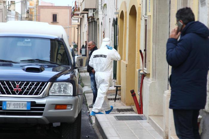 Carabiniere uccide tre parenti e si spara: lite per l'eredità