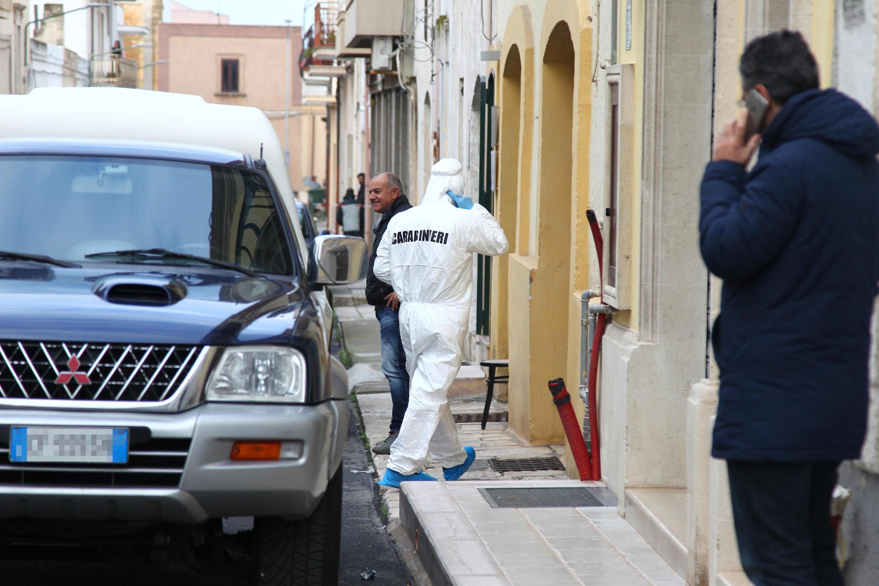 Cc fa strage in Puglia: militare in coma