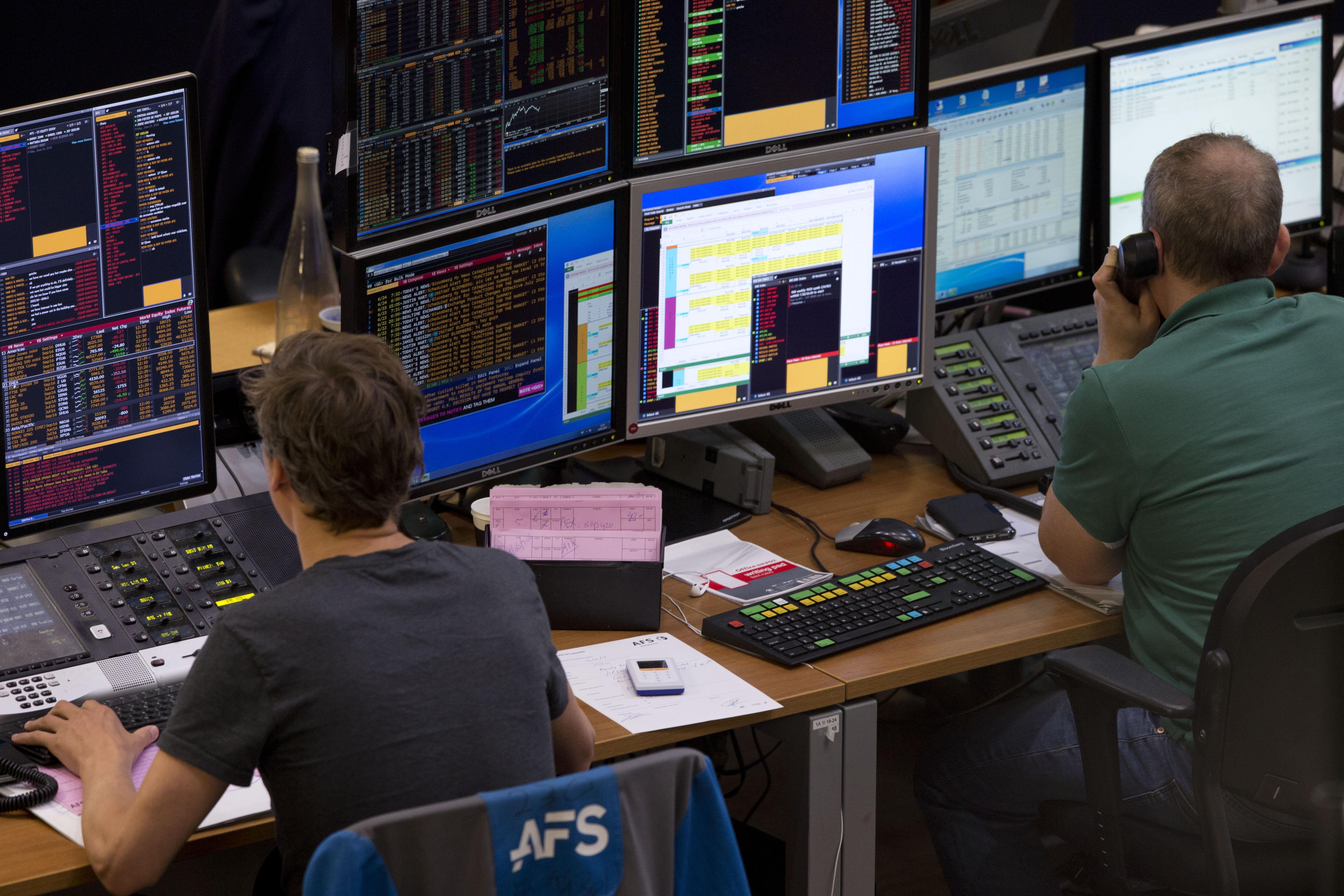 Borsa: Europa, Parigi +0,48 in chiusura