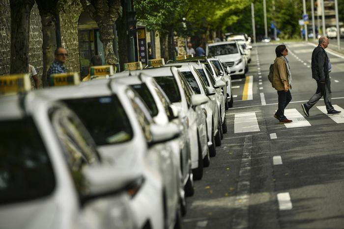 Scioperi e proteste dei taxi, disagi in tutta Italia