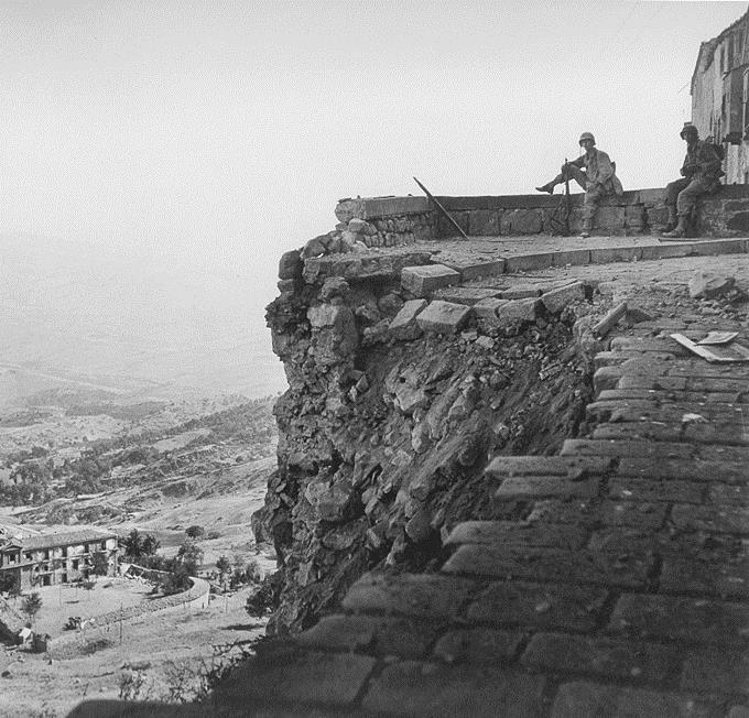 A Troina mostra permanente Robert Capa