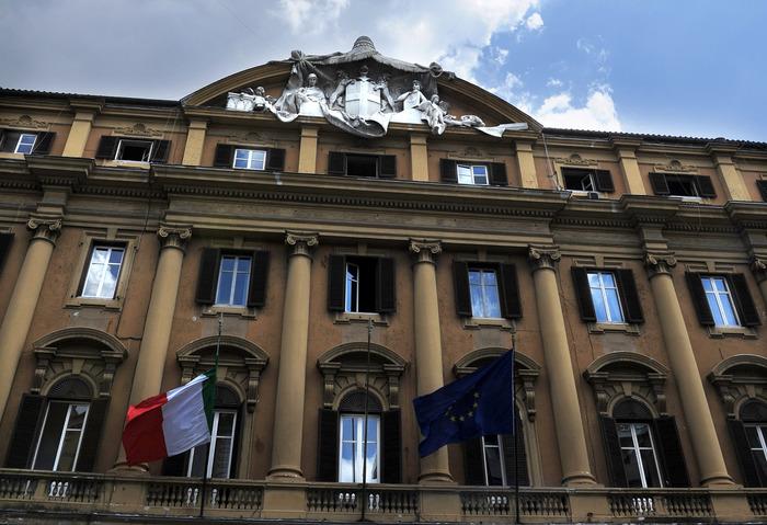 'Talpa' al Mef,  pm Milano: consulente intascava 2 stipendi