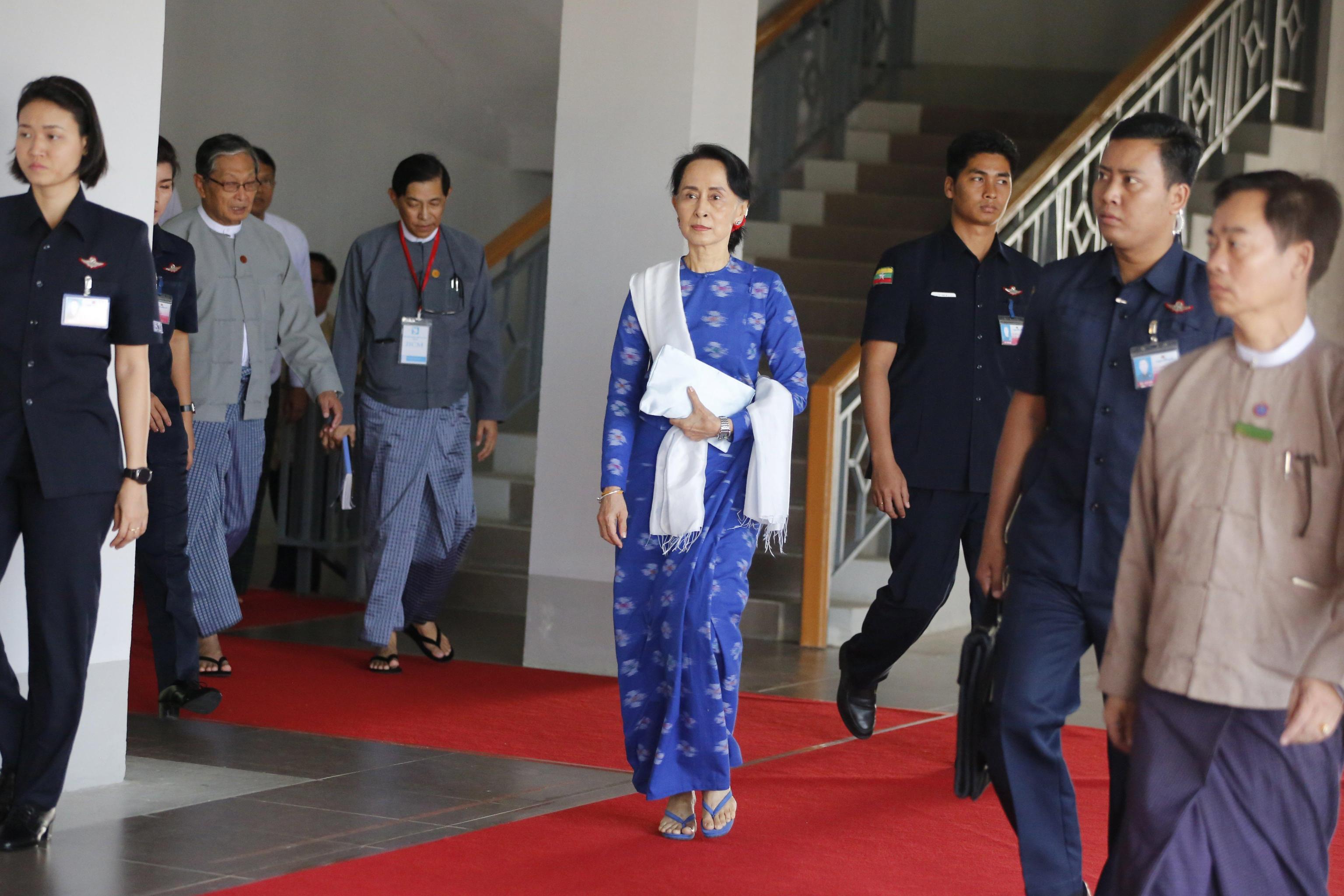Oxford ritira riconoscimento a Suu Kyi