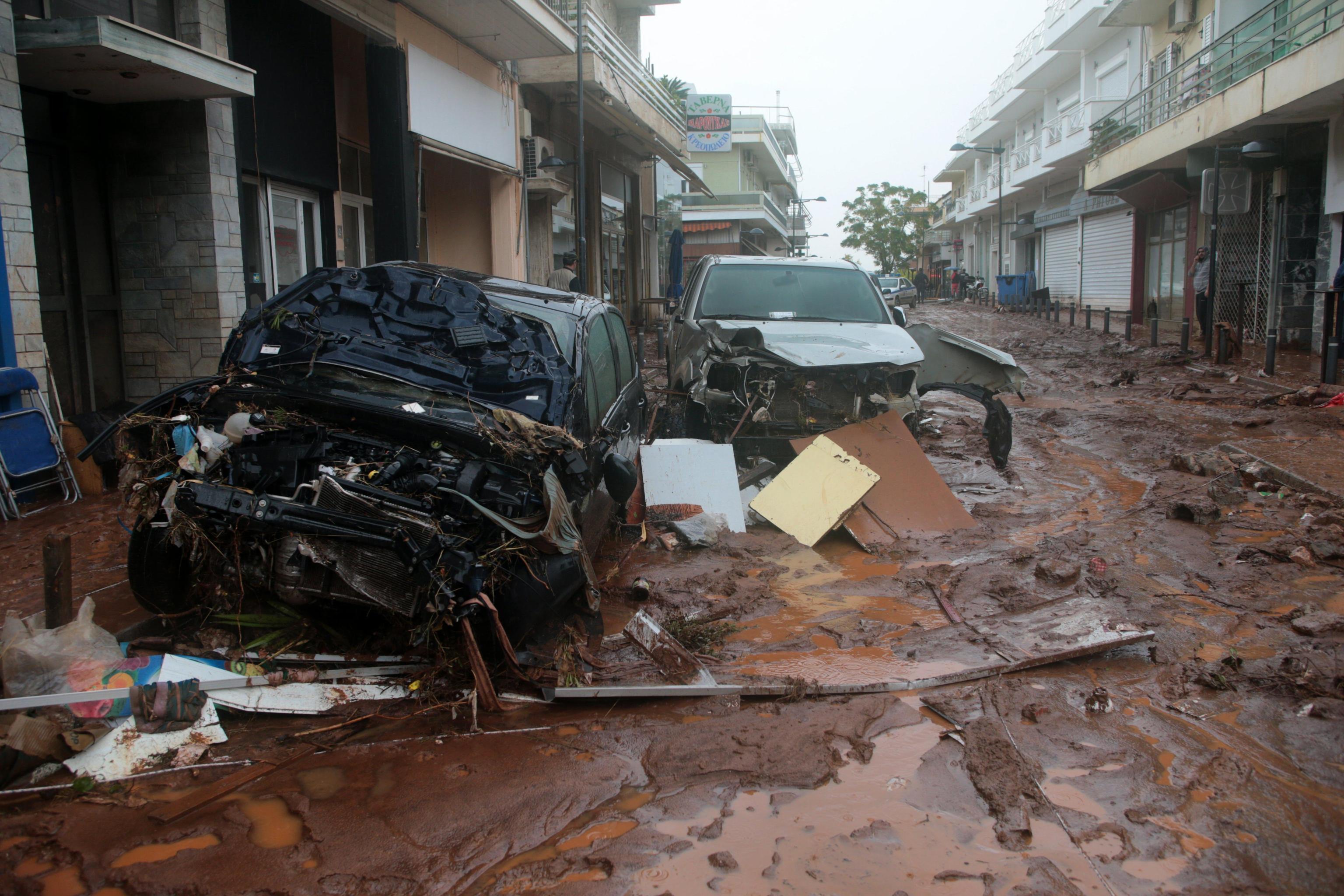 Grecia: almeno 10 morti per inondazioni