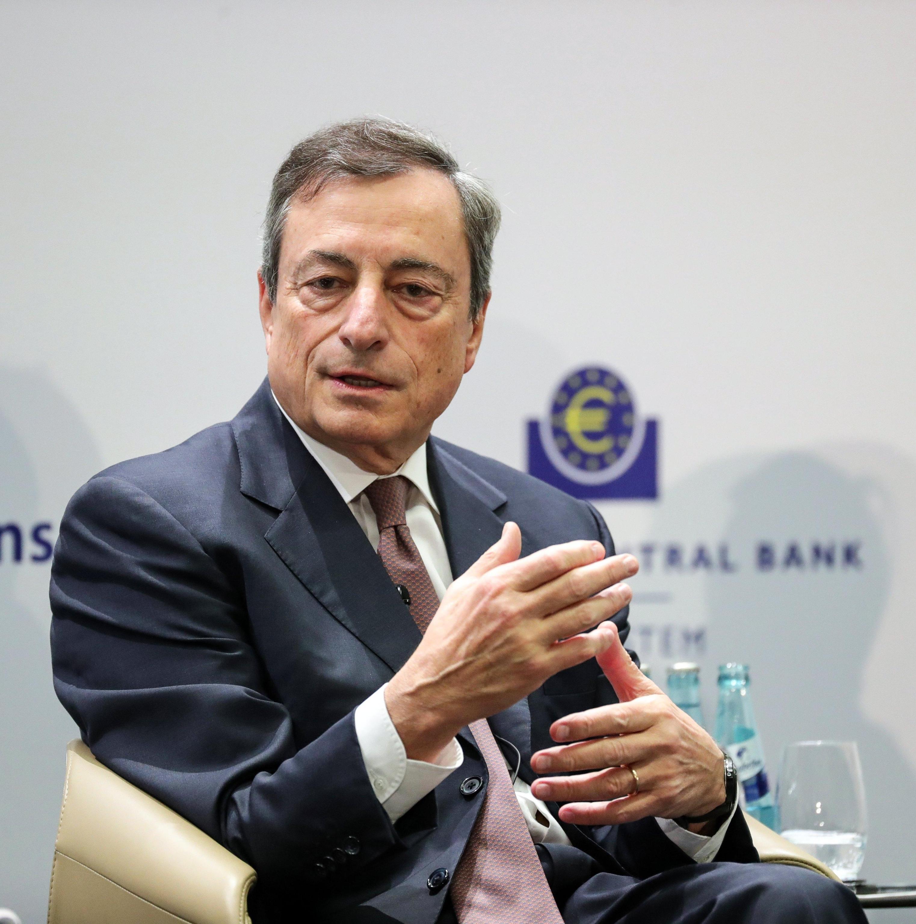 Cambi: euro in calo a 1,1754 dollari