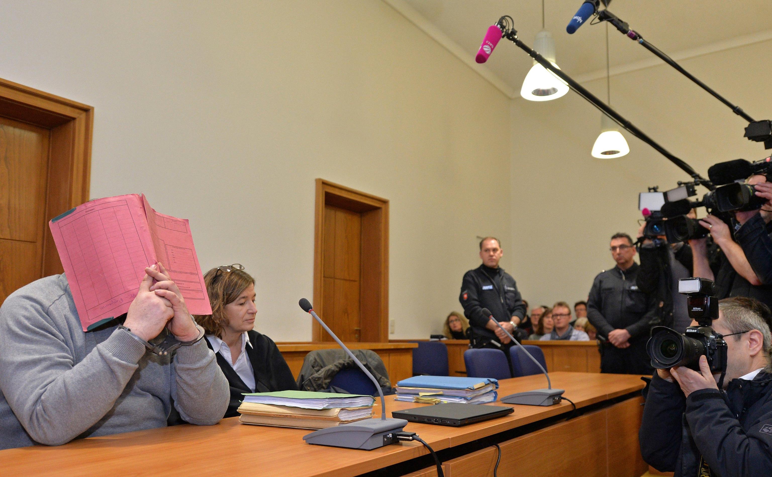 Germania: 'infermiere uccise 100 malati'