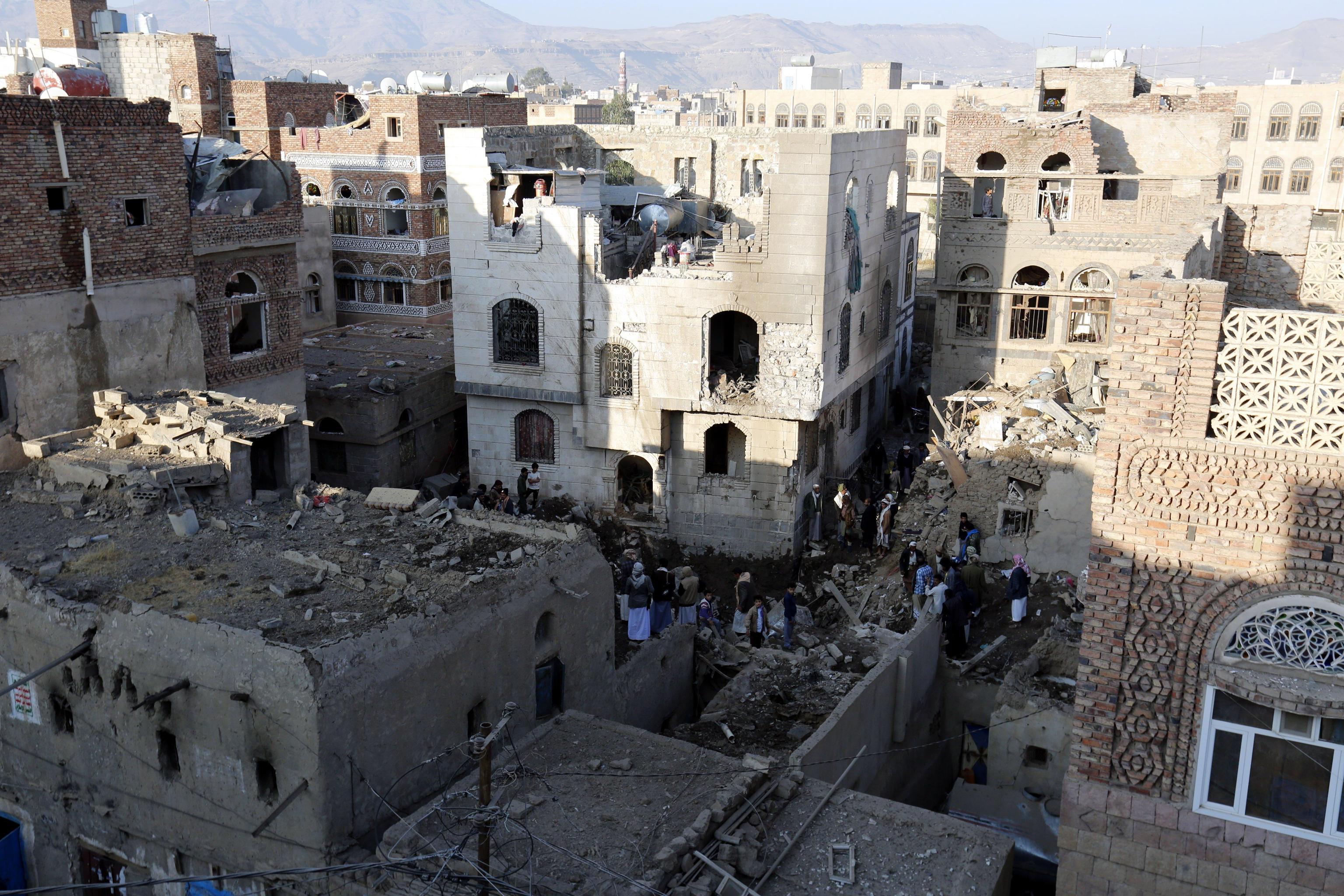 Raid coalizione colpisce ministero Yemen