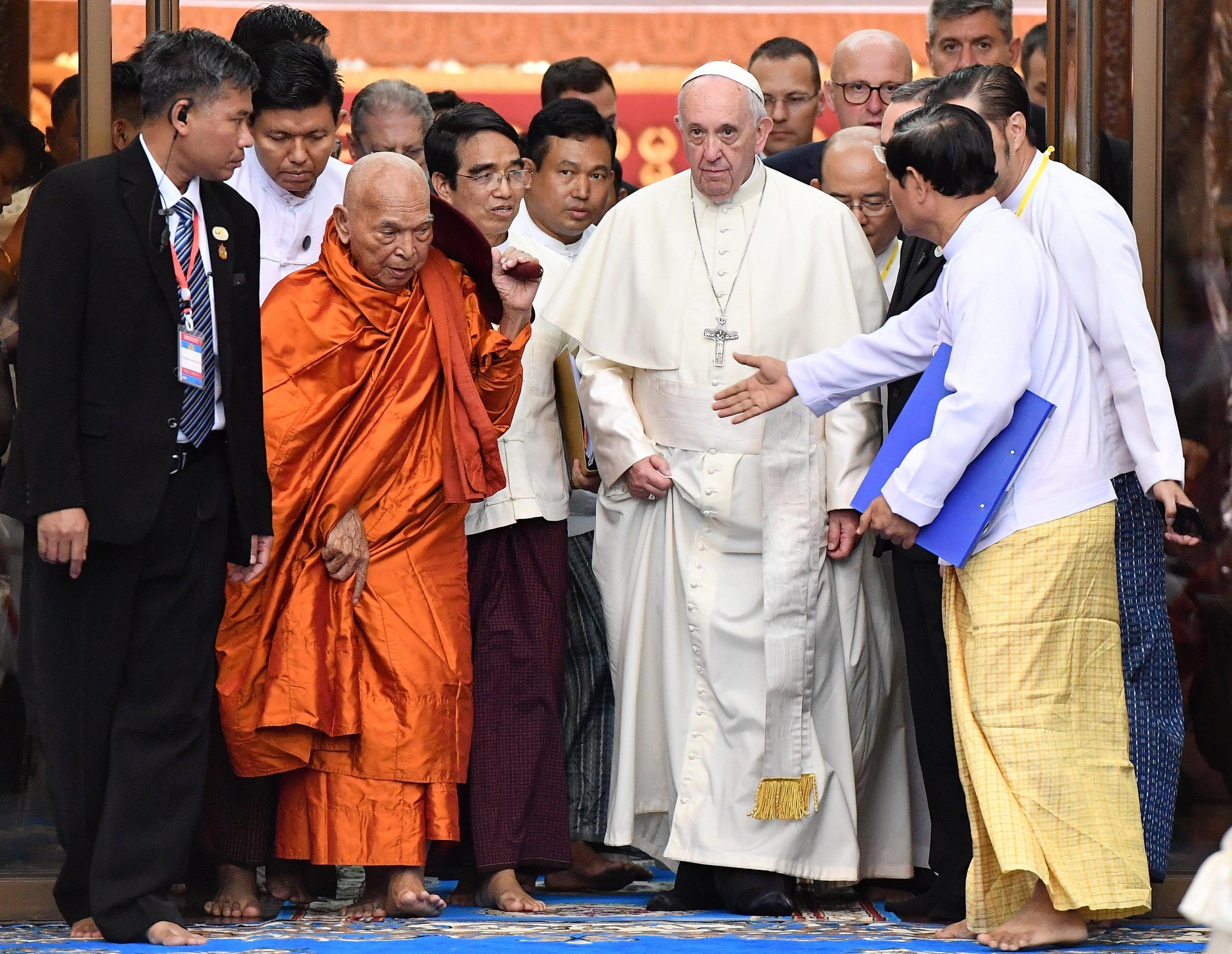 Papa a buddisti, una sola voce per pace