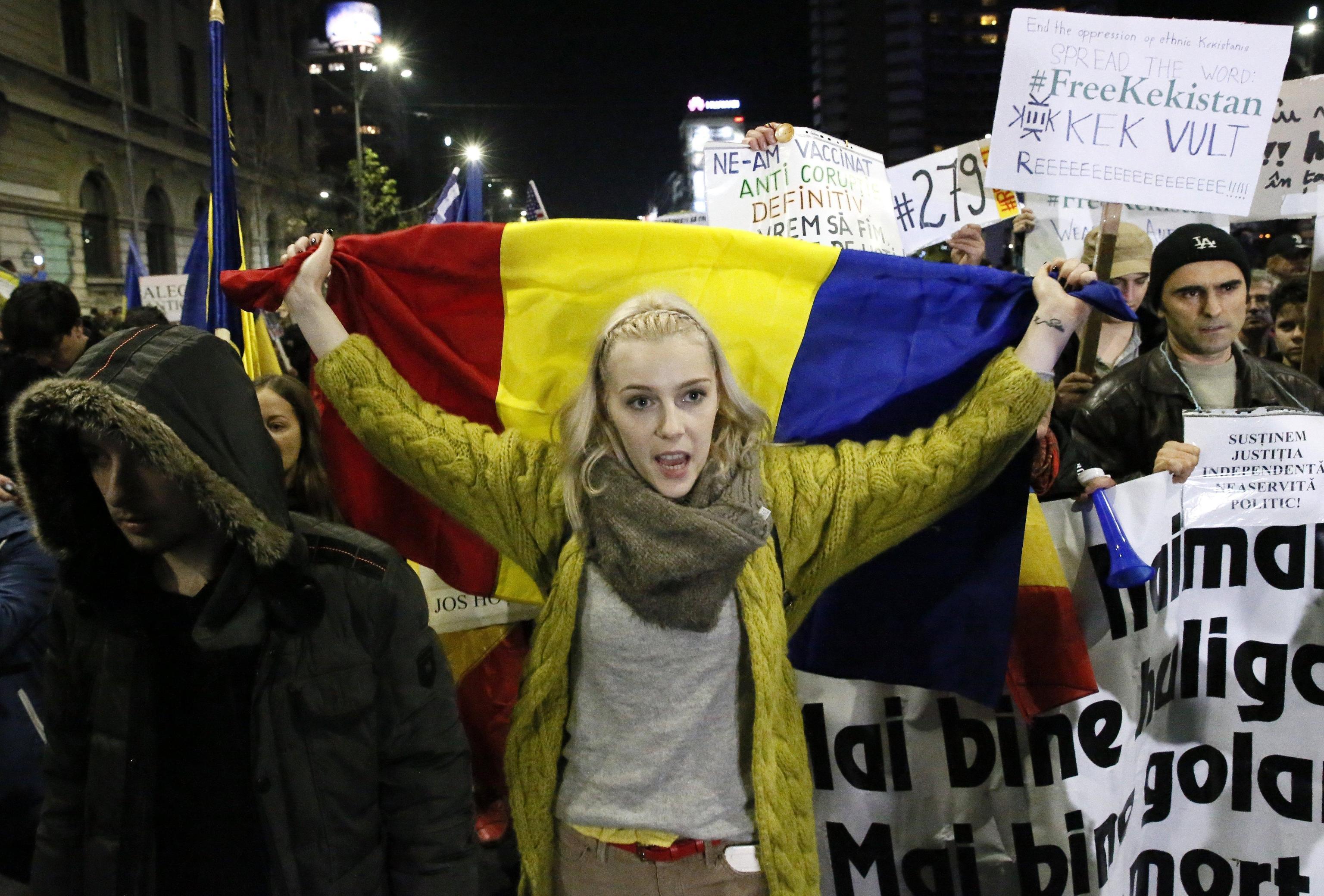Romania: in piazza contro il governo