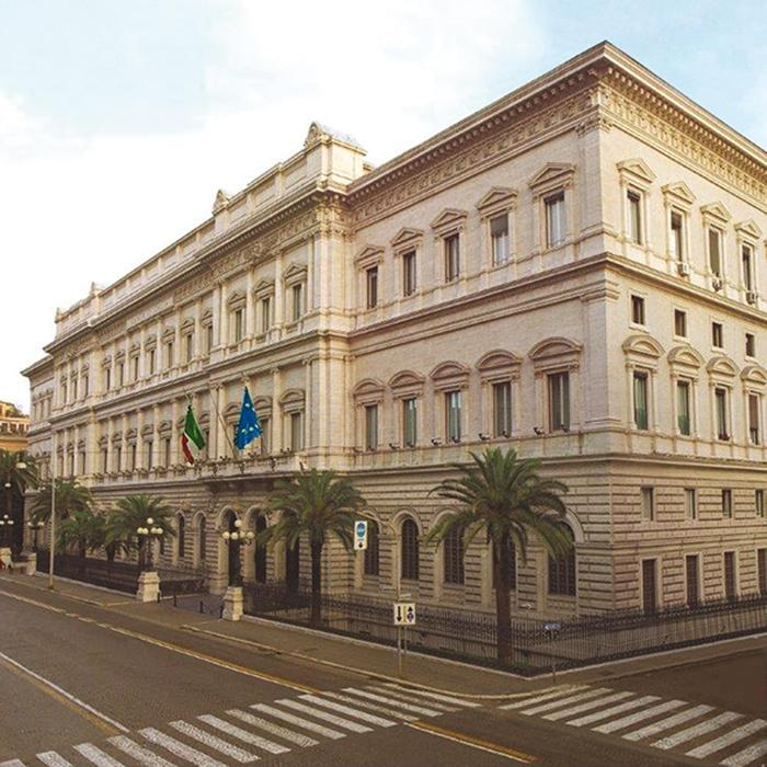Bankitalia: a settembre debito risale, entrate in calo
