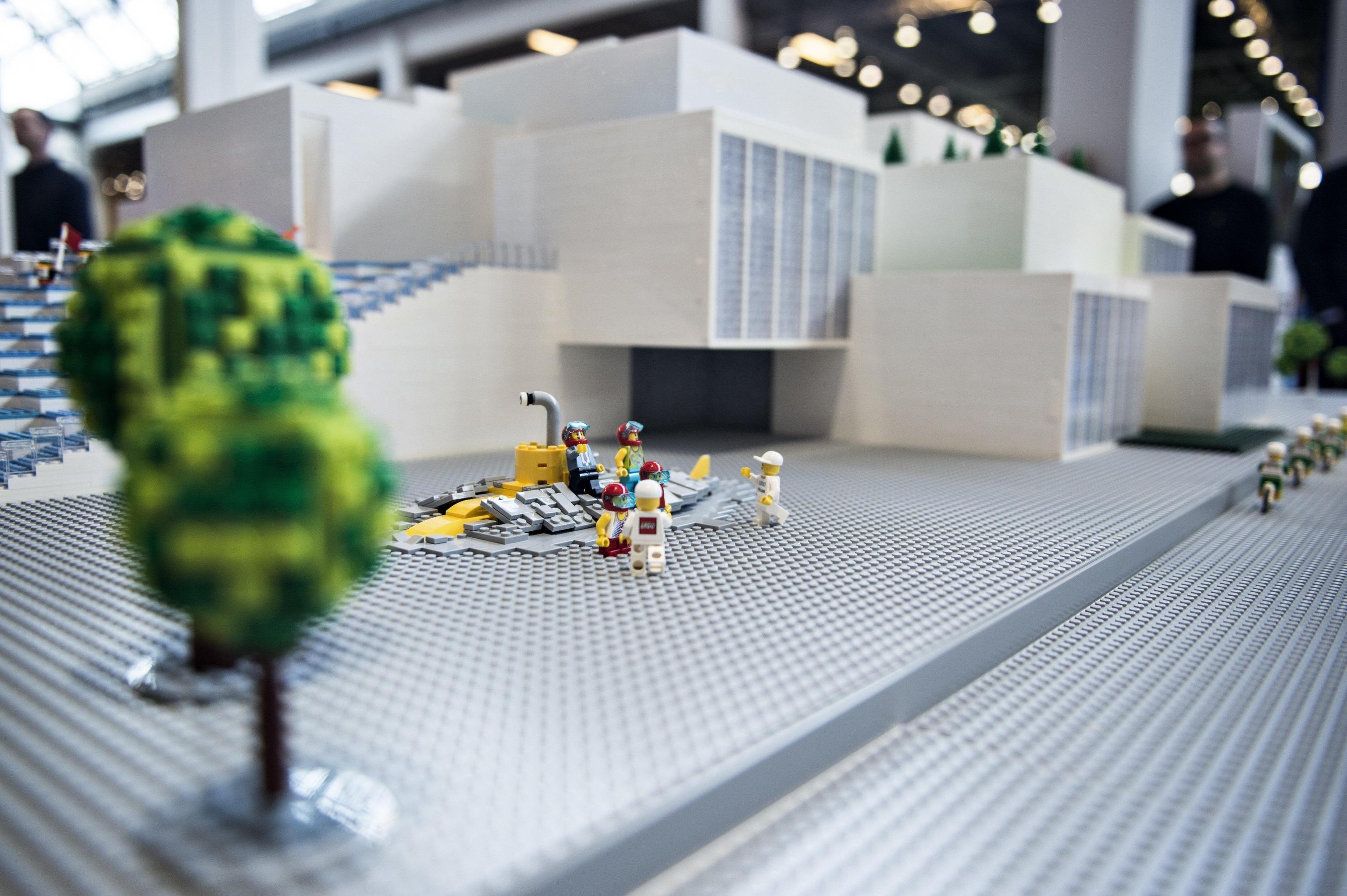 Al Pirellone i monumenti fatti coi Lego