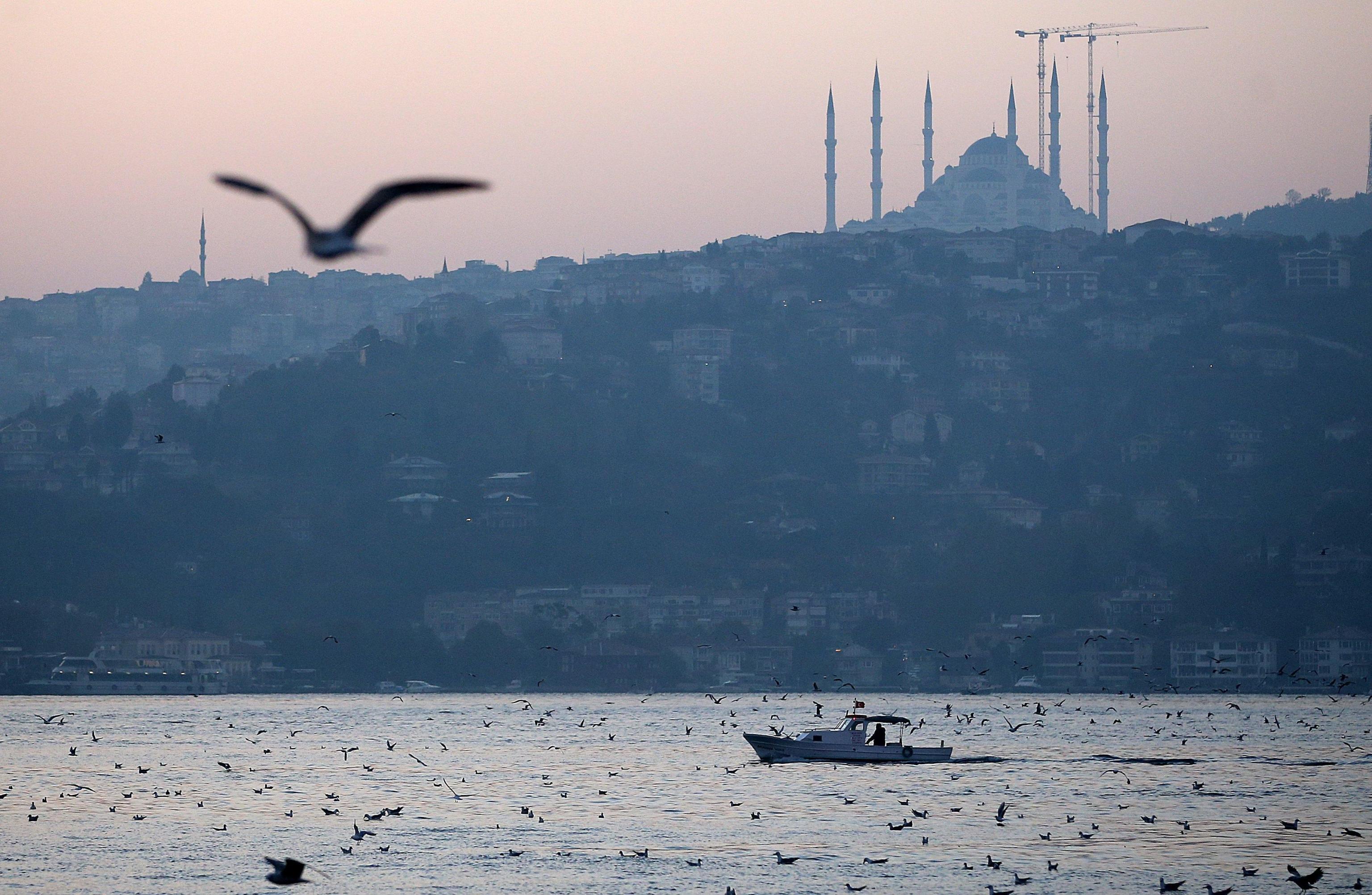 Turchia: nuovi blitz anti-Isis