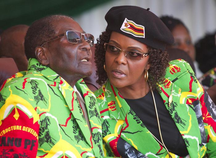 Zimbabwe,Mugabe 'in custodia' La moglie fugge in Namibia