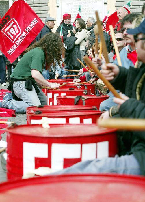 Pensioni, la Cgil minaccia  lo sciopero. Sindacati divisi