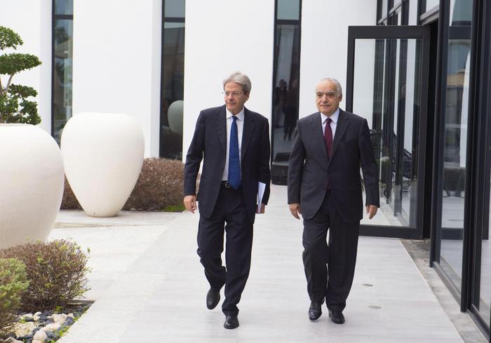 Gentiloni: 'Dalla Libia c'è apertura, accelerare i rimpatri'