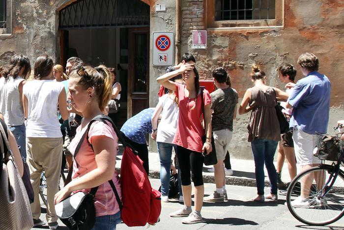 Calano i 'mammoni' in Italia,  è la prima volta dal 2007