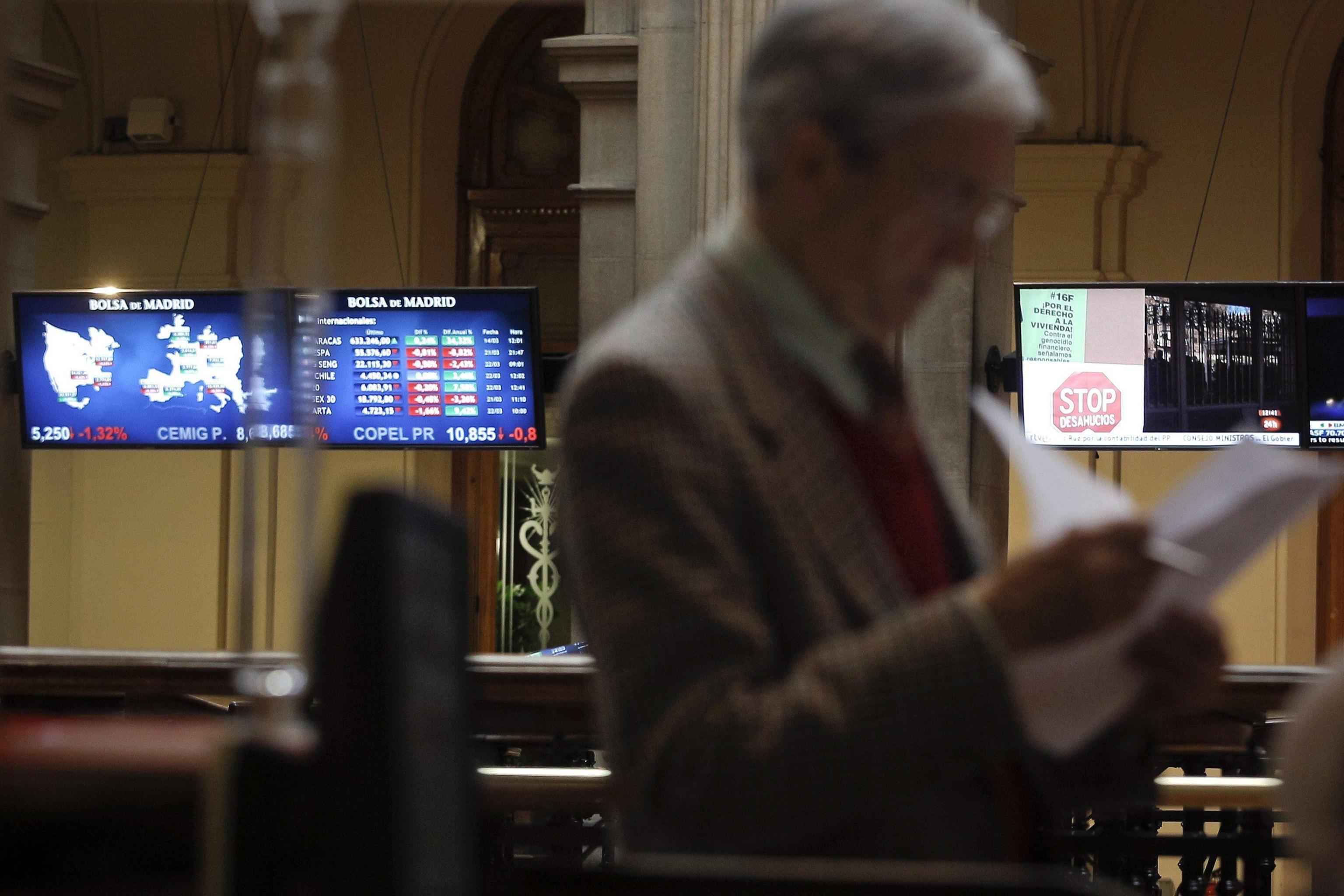 Borsa: Europa debole in apertura