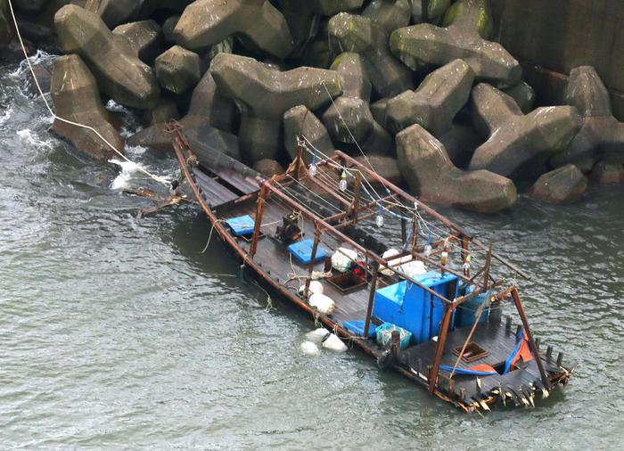 In fuga dalla Nord Corea, barca con otto scheletri in Giappone
