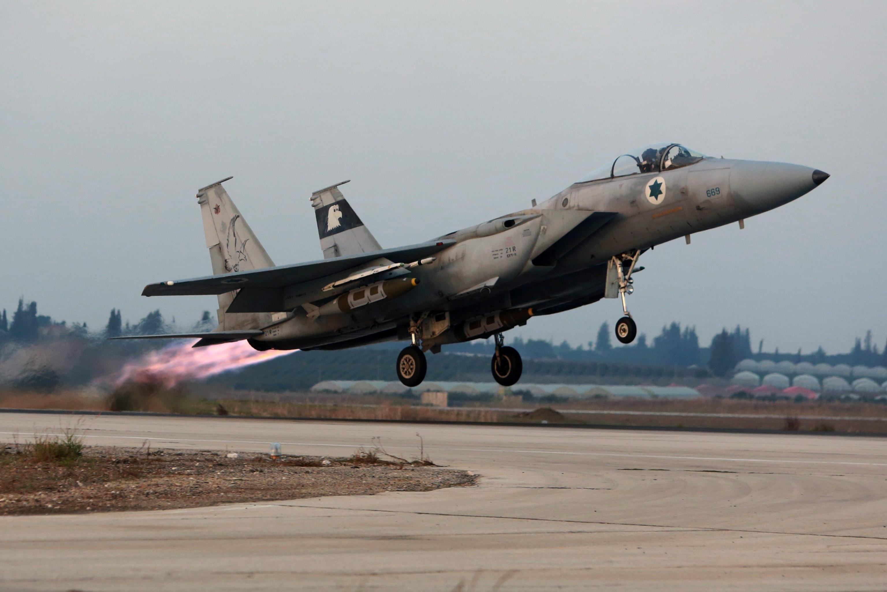Israele: donna vicecapo squadriglia F15