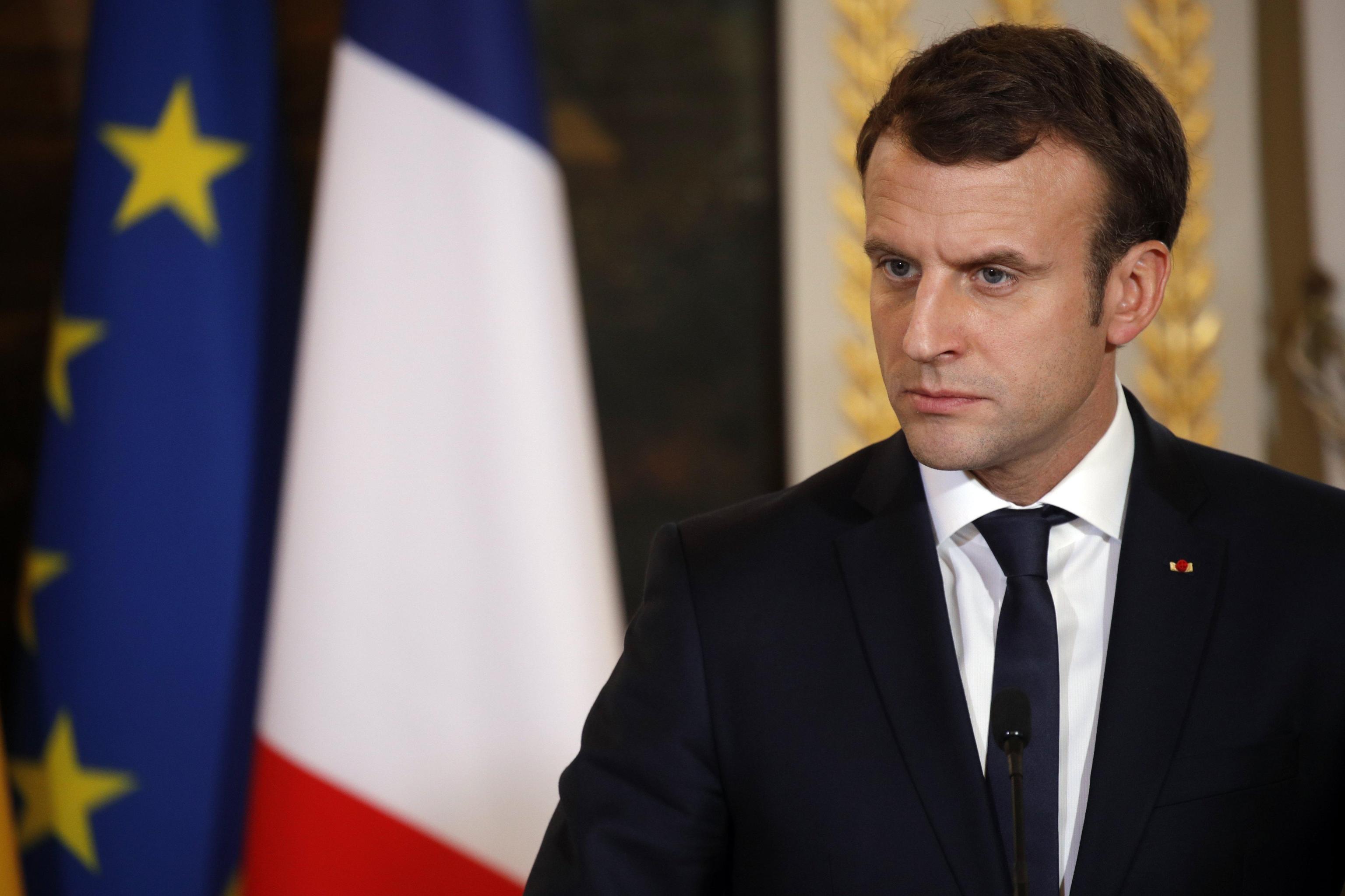 Macron, al via piano contro le molestie