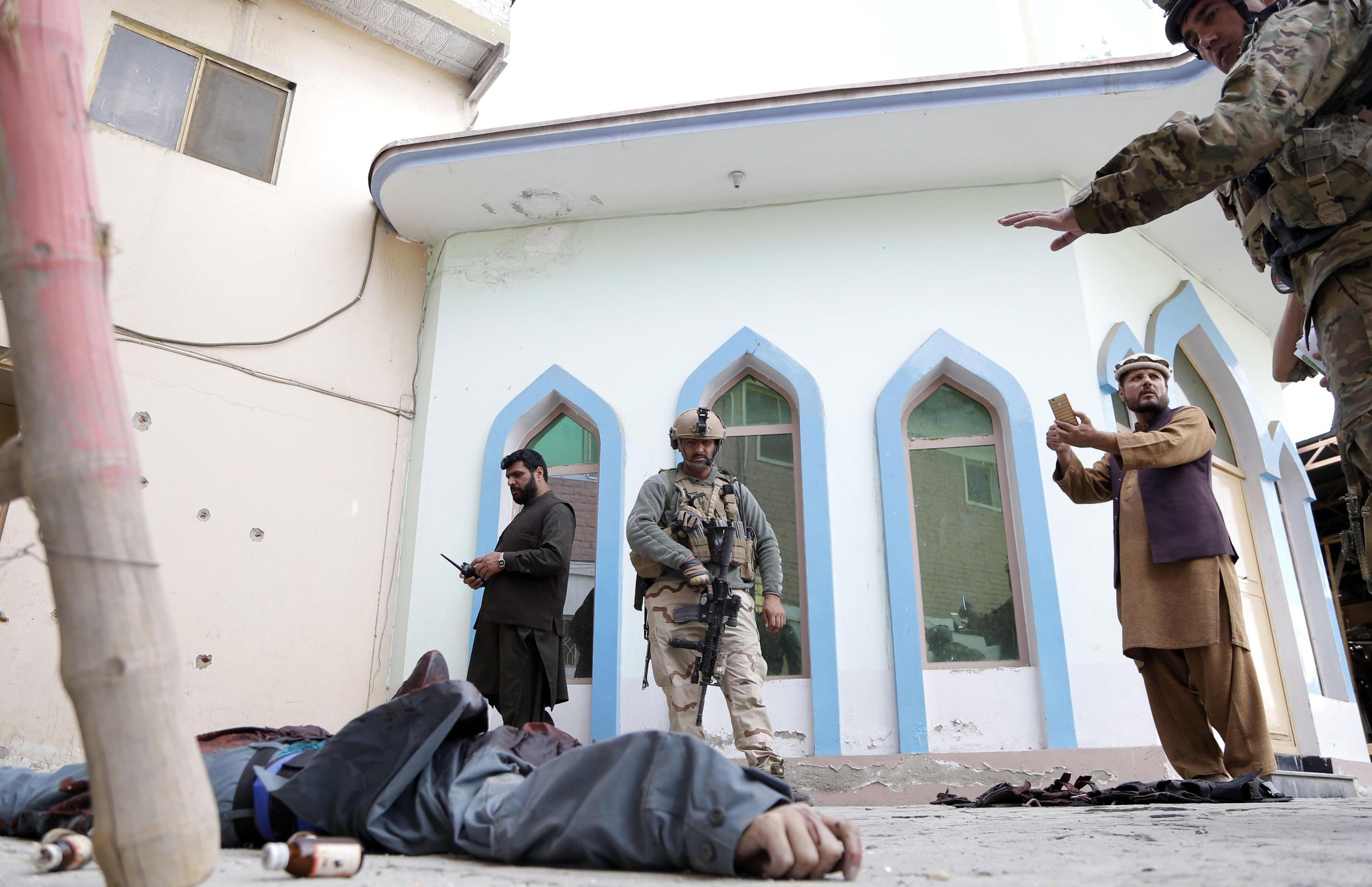Afghanistan: scontro fra militanti Isis