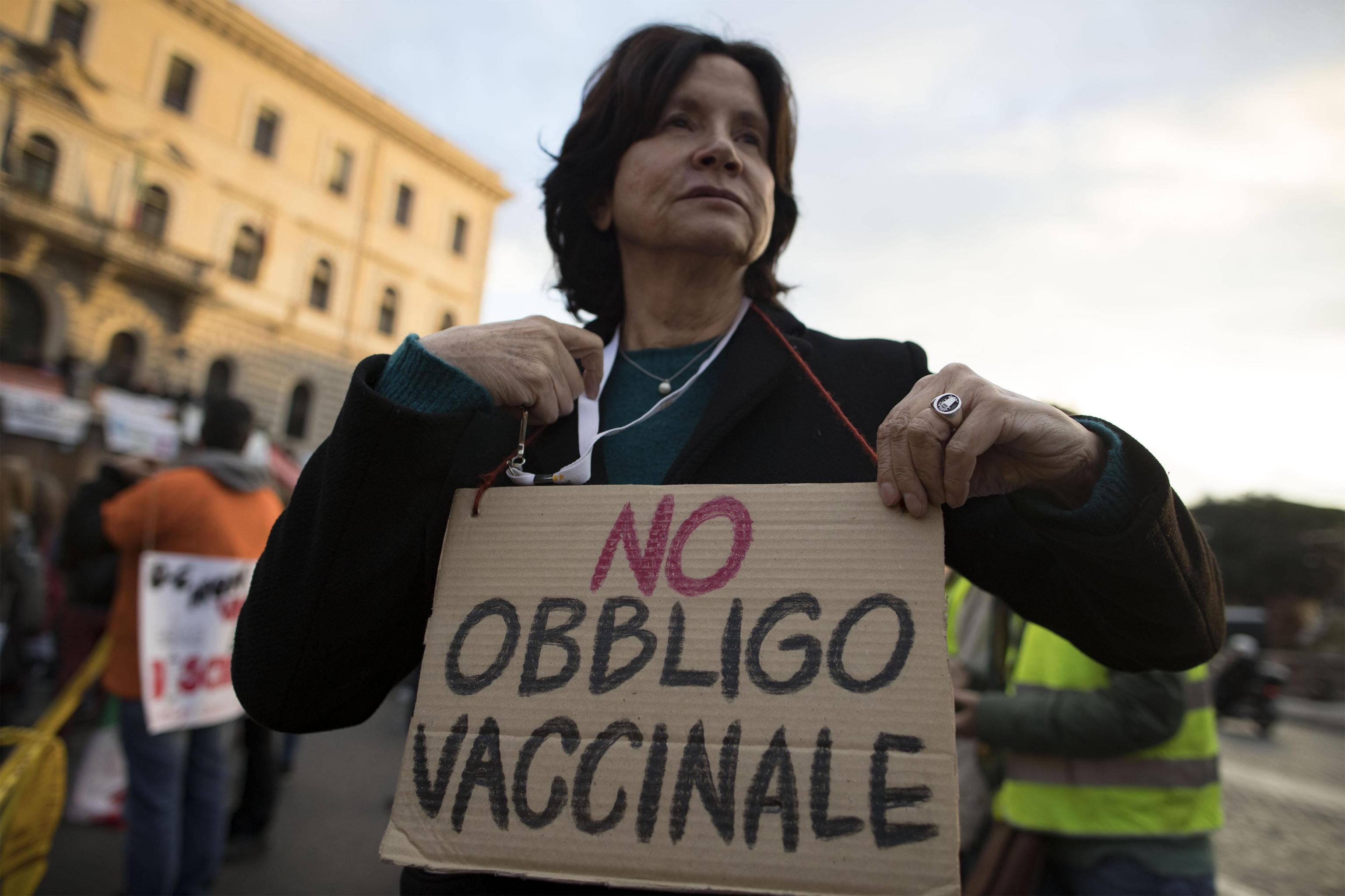 Vaccini: Renzi, grande passo per scienza