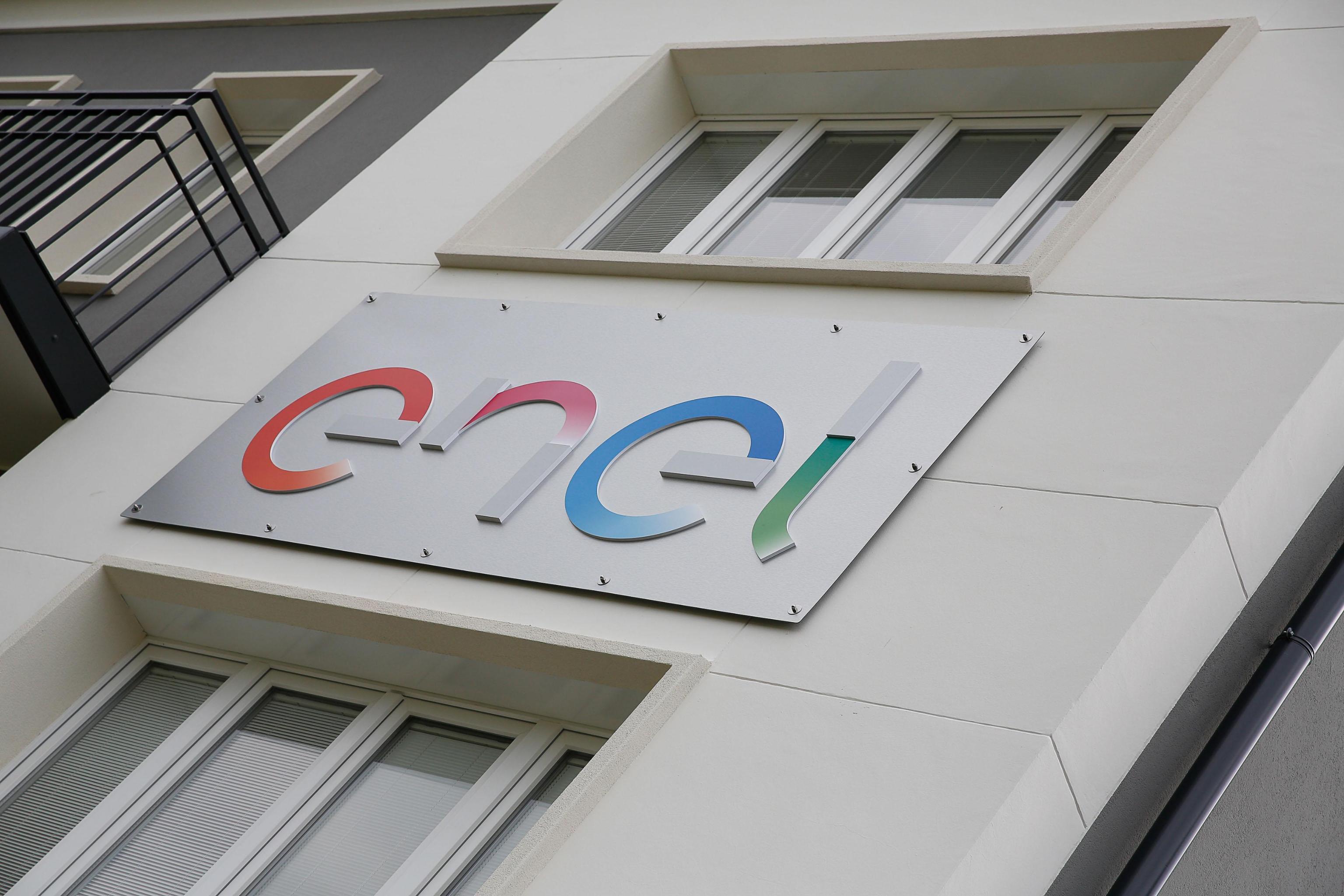 Borsa Milano continua a salire con Enel